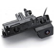 Камера заднего вида Шкода Карок (Karoq) с омывателем