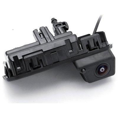 Камера заднего вида Шкода Кодиак с омывателем